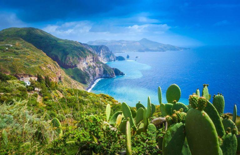 Traghetti per Isole Eolie   Prezzi, Orari, Biglietti e Offerte
